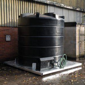 Bespoke base for water storage tanks