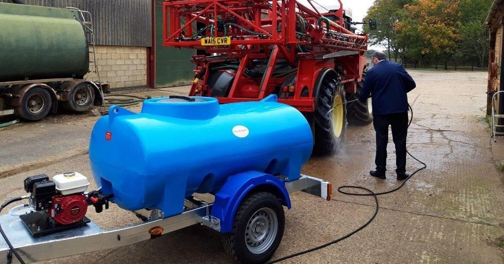 What Are the Benefits of a Jet Wash Bowser on site